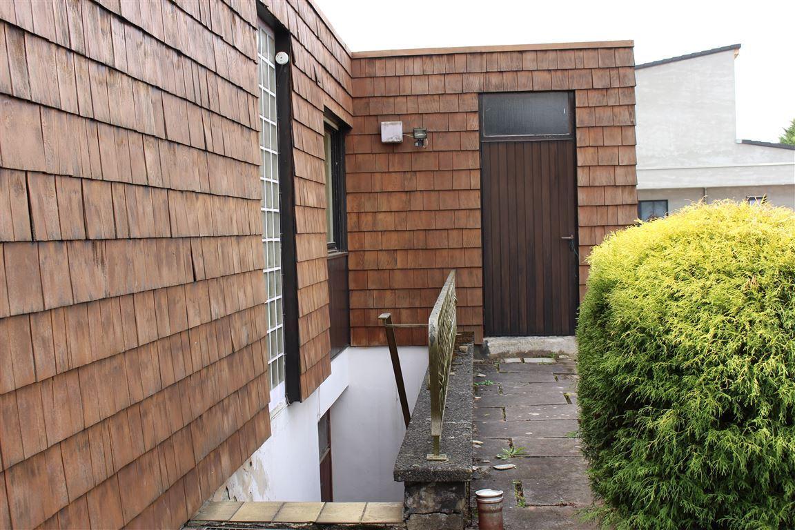 Zugang Keller und Garage